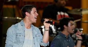 Nick Jonas y Joe Jonas, hermanos en el concierto del 4 de julio