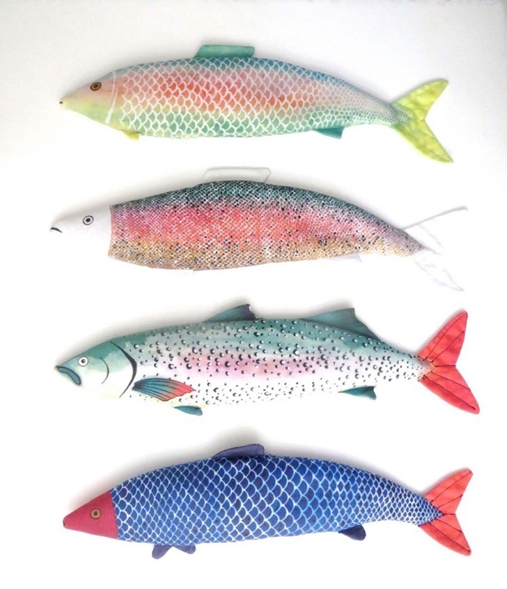 Almohadas de pez para descansar los ojos