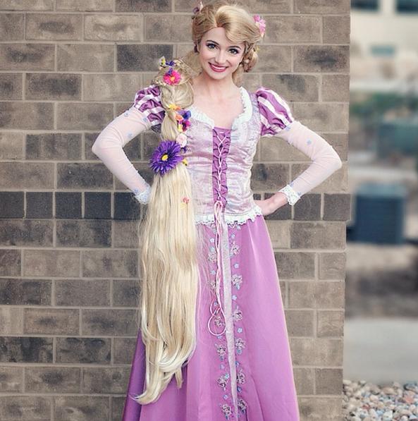 Sarah Ingle, la chica que se transforma en princesas Disney