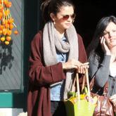 Selena Gómez se relaja tras su concierto en Victoria (Canadá)