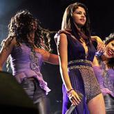 VÍDEOS: Selena Gómez vuelve a emocionar con su concierto en Lima (Perú)