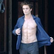 Robert Pattinson desnudo en su próxima película