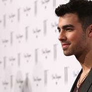 Joe Jonas cuenta cuál es su secreto para relacionarse con las chicas