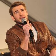 """Liam Hemsworth en Georgia promocionando """"Los juegos del hambre"""""""