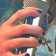 Miley Cyrus tiene nuevo tatuaje