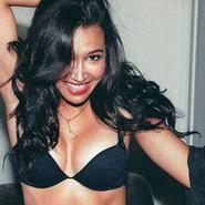 Más fotos de Naya Rivera, muy sexy en FHM