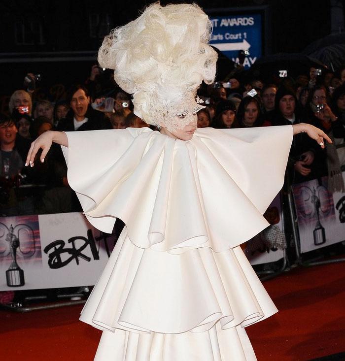 Lady Gaga, Lily Allen, Kasabian, Robbie Williams: Las mejores actuaciones de los Brit Awards 2010