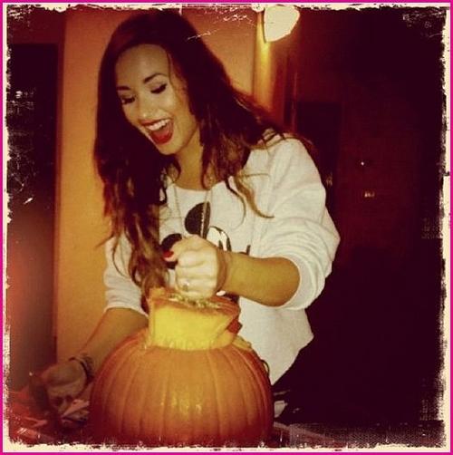 Demi Lovato se prepara para Halloween