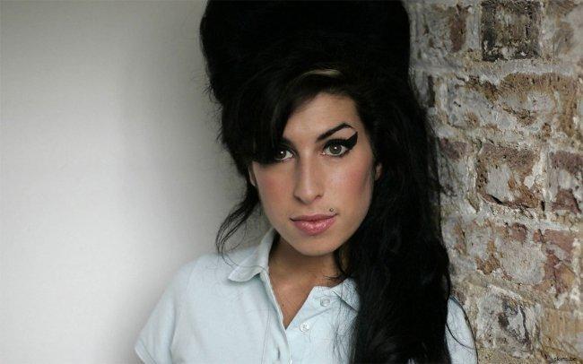 Ya está claro: Amy Winehouse murió por intoxicación etílica