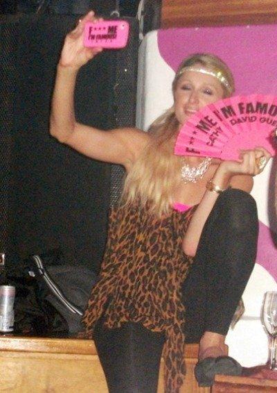 Paris Hilton sí que sabe lo que es pegarse una fiesta