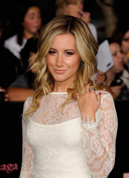 Ashley Tisdale: Premiere de Amanecer