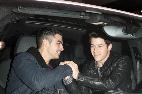 Nick & Joe Jonas: Reencuentro de los Jonas Brothers!