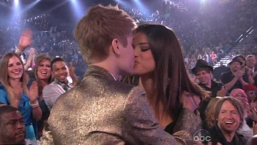 """Justin Bieber: """"Me gustaría hacer un dúo con Selena"""""""