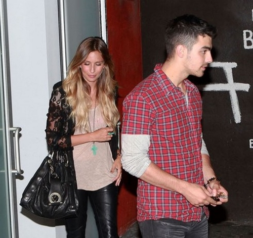 Joe Jonas no está enamorado Renee Bargh