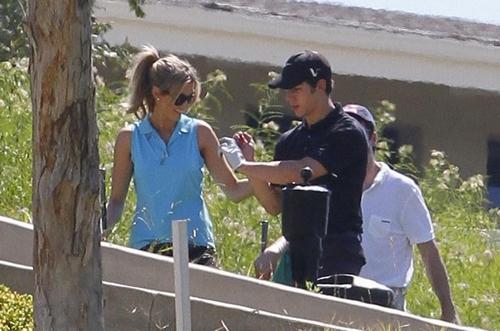 Nick Jonas: Día de Golf con Delta Goodrem