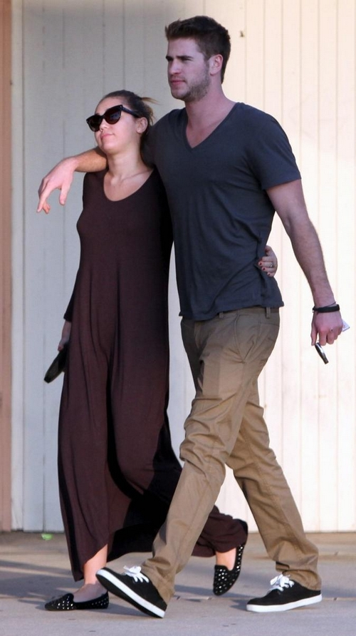 Miley & Liam: Lámpara de Lava en California