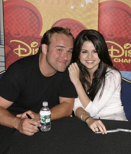 """Selena Gómez: """"David DeLuise es divertido y muy profesional"""""""