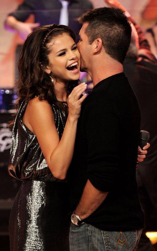 Selena Gomez brilla en el show de Jay Leno