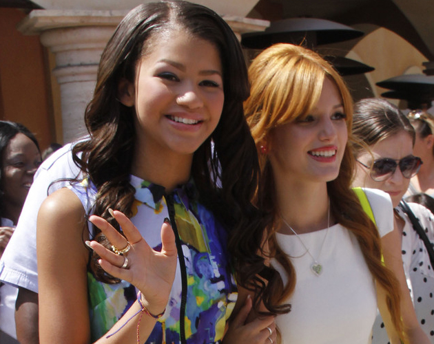 Bella Thorne y Zendaya hablan de 'Made in Japan'