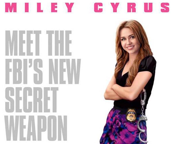 Miley Cyrus en el póster oficial de 'So Undercover'