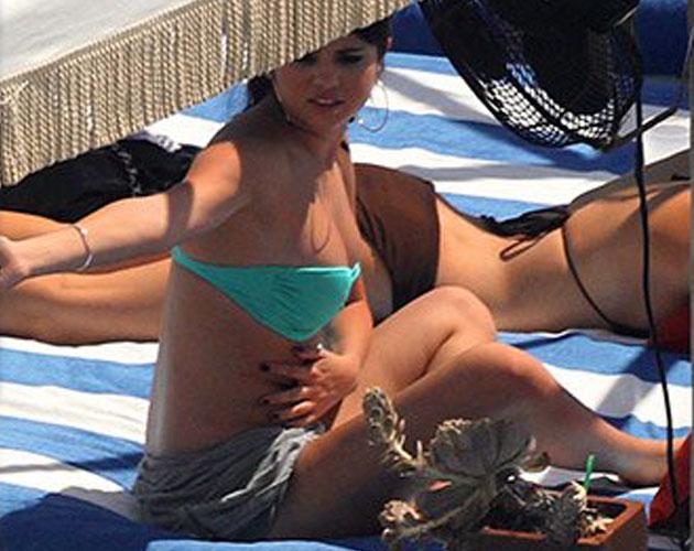 Los supuestos michelines de Selena Gómez