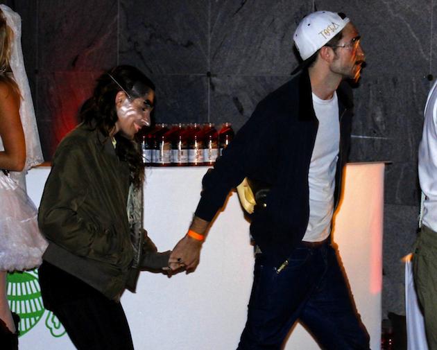 ¡Robert Pattinson y Kristen Stewart de la mano en Halloween!