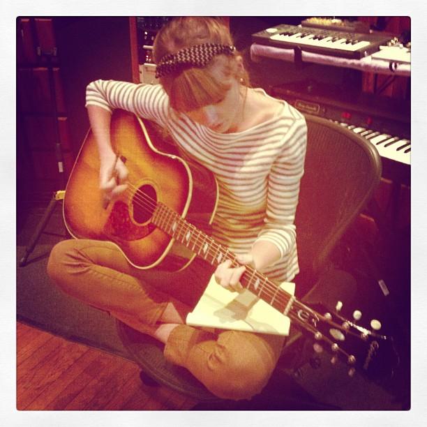 ¿¿Taylor Swift ha escrito CINCO canciones sobre Harry Styles??
