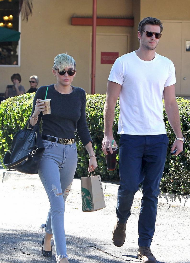 ¿Miley Cyrus tiene cuernos?