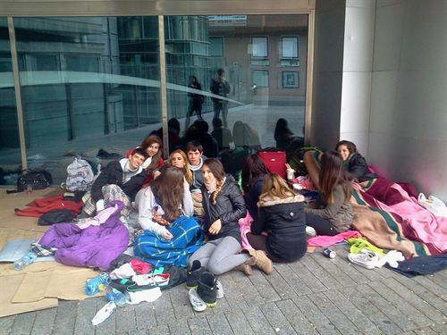 Hacer cola para el concierto de Justin Bieber en Madrid