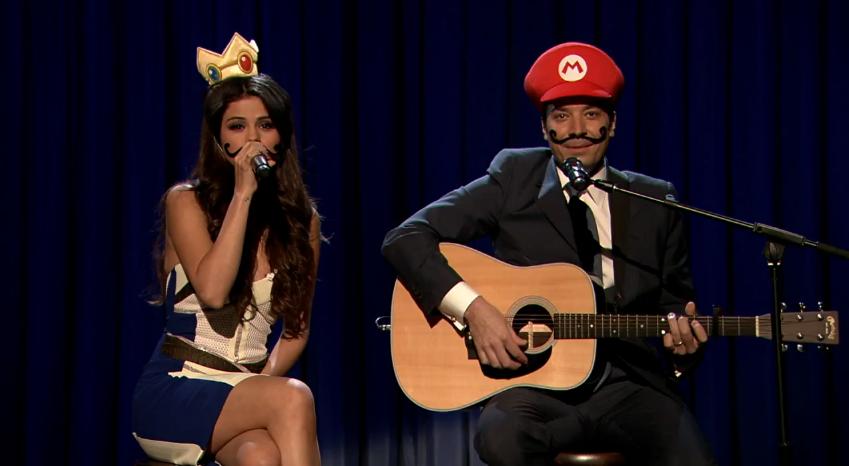 Selena Gomez y su nuevo novio... ¡Super Mario!