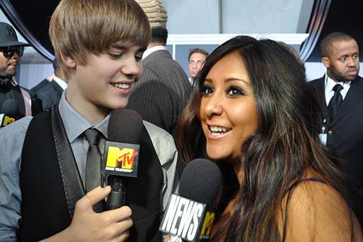 Snooki anima a ligar a Justin Bieber
