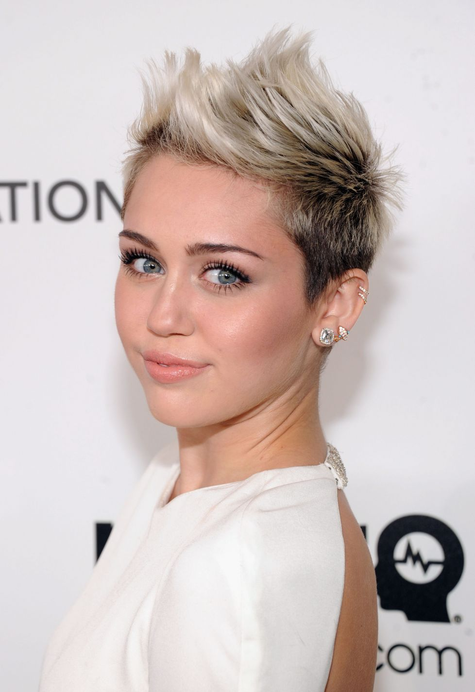 "Miley Cyrus estrena ""We Can't Stop"" el 3 de junio"