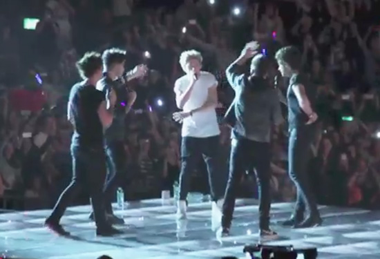 "One Direction canta ""My Heart Will Go On"", la canción de ""Titanic"""