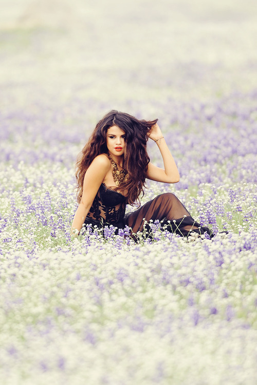Los labios rojos de Selena Gomez son su secreto de madurez