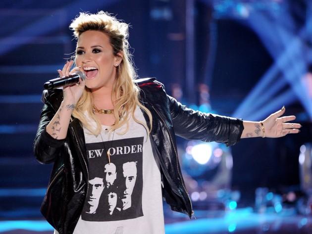 Demi Lovato, la hara de lesbiana en Glee