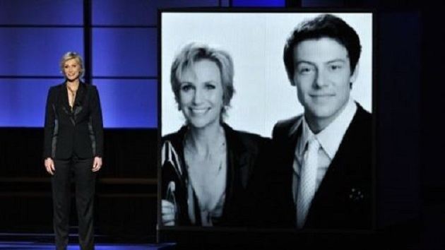 "Jane Lynch rinde tributo a Cory Monteith en los Emmy: ""Él no era perfecto"""
