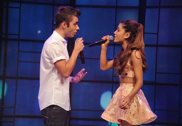 Ariana Grande escribirá canciones para Nathan Sykes