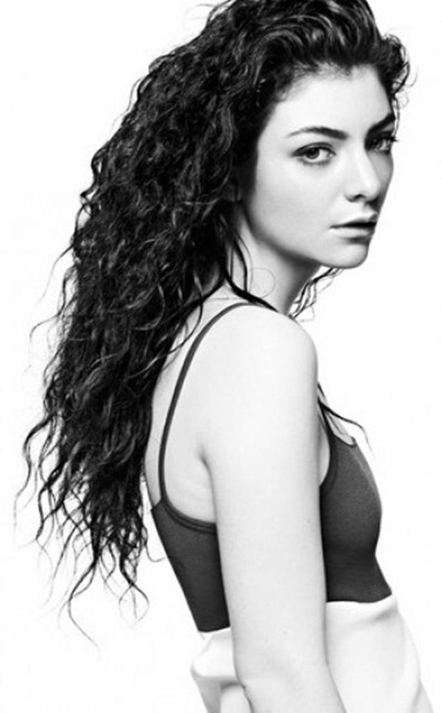 ¿Lorde desnuda en un posado?