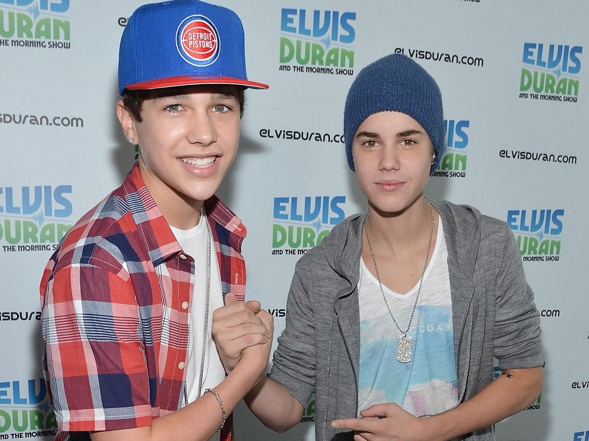 ¿Justin Bieber y Austin Mahone besándose?