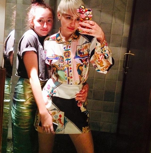 Miley Cyrus y Noah Cyrus, de fiesta por Barcelona