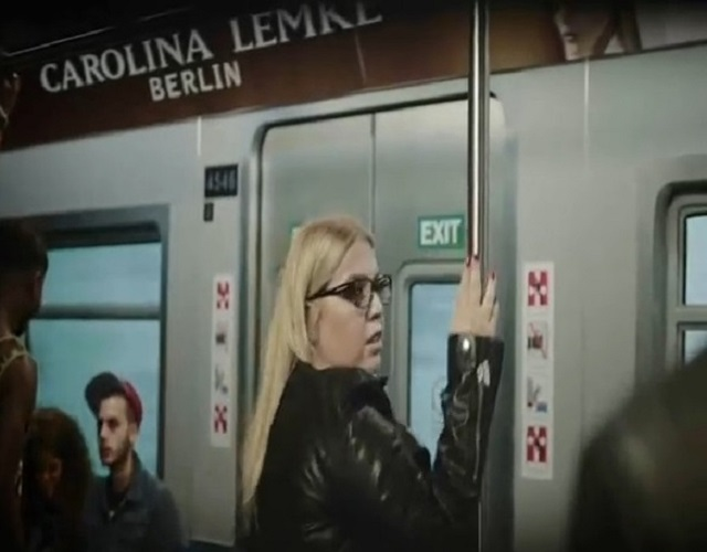 Polémica por este anuncio de Bar Refaeli