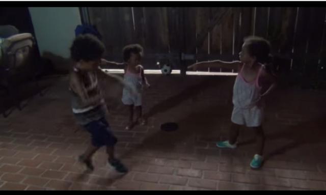 Así se las gastan estos tres hermanos en una batalla de baile