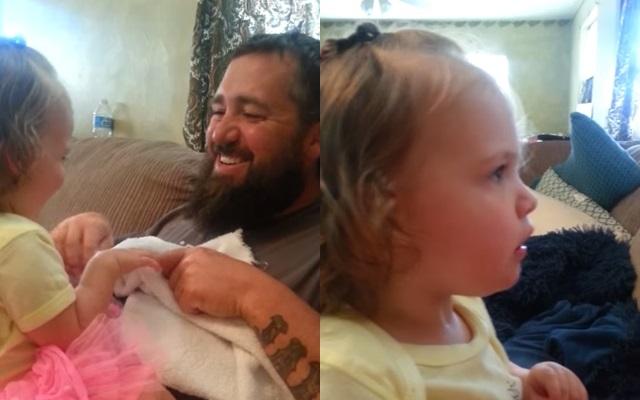 Reacción de una niña al ver a su padre sin barba