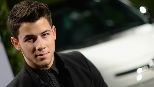 Nick Jonas se quita el anillo de castidad