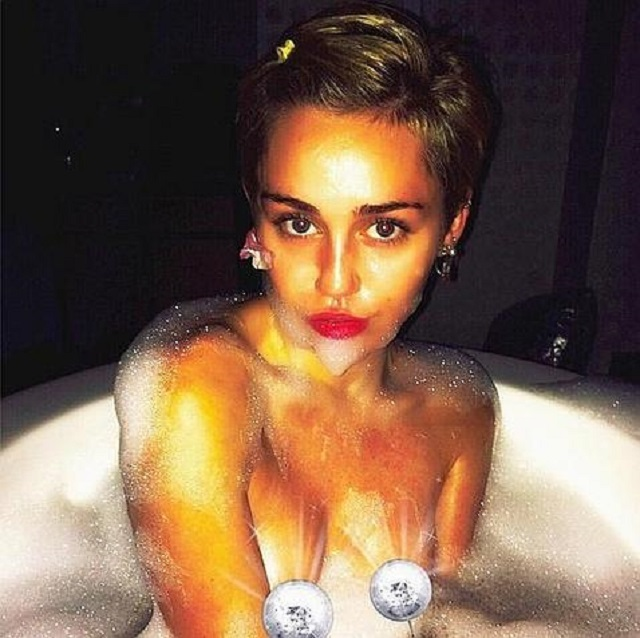 Miley Cyrus desnuda otra vez