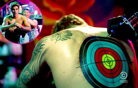 ¡Justin Bieber se hace un nuevo tatuaje y nos lo enseña!