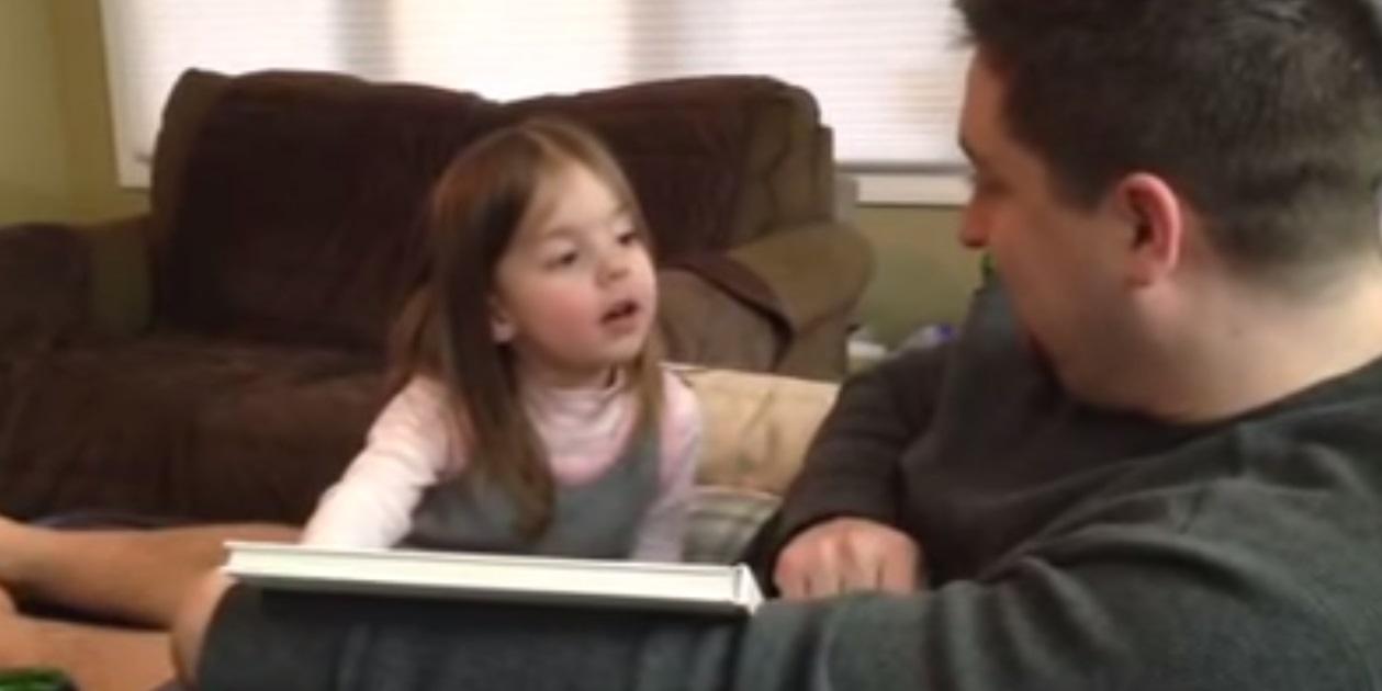 ¿Cómo reacciona una niña al enterarse de que va a tener un hermano?