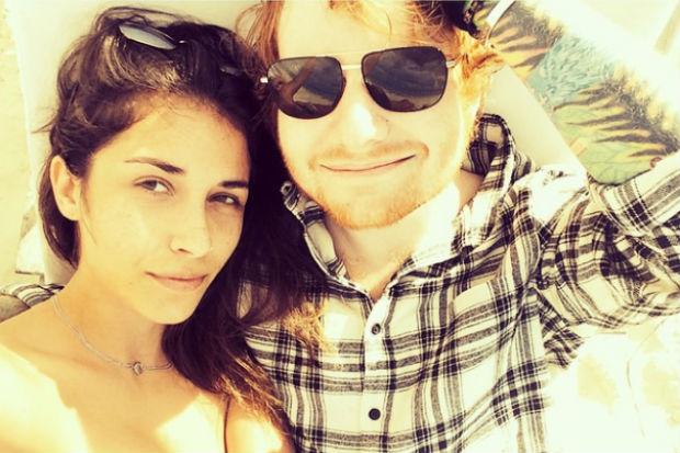 Ed Sheeran confirma su ruptura con Athina Andrelos