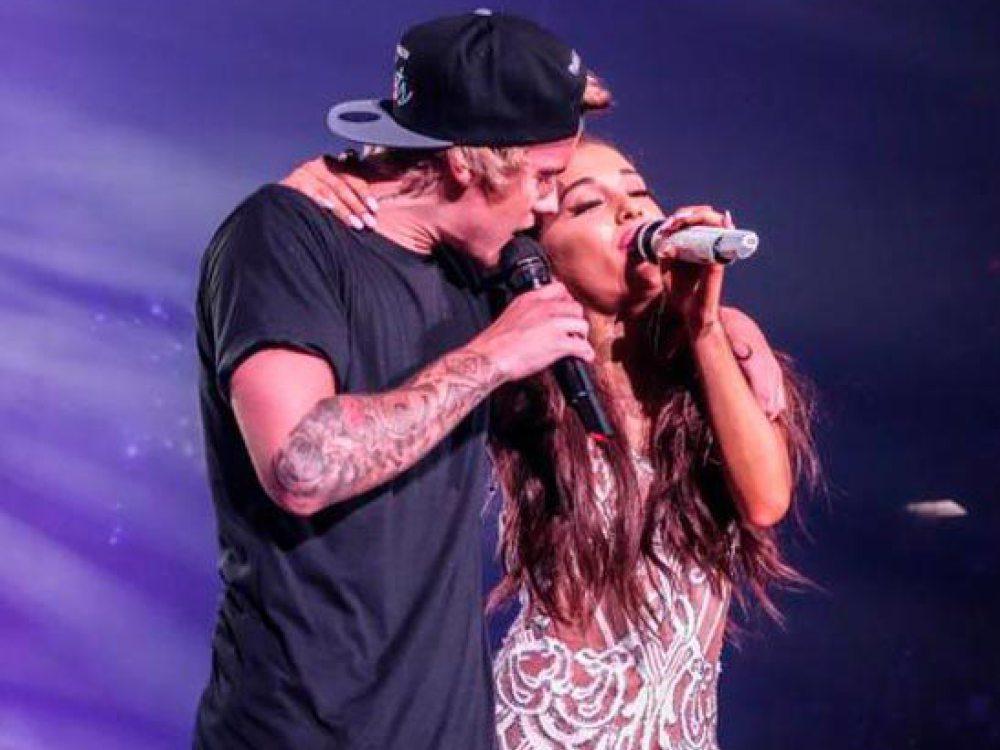 Justin Bieber se olvida la letra de la canción de Ariana Grande en pleno concierto