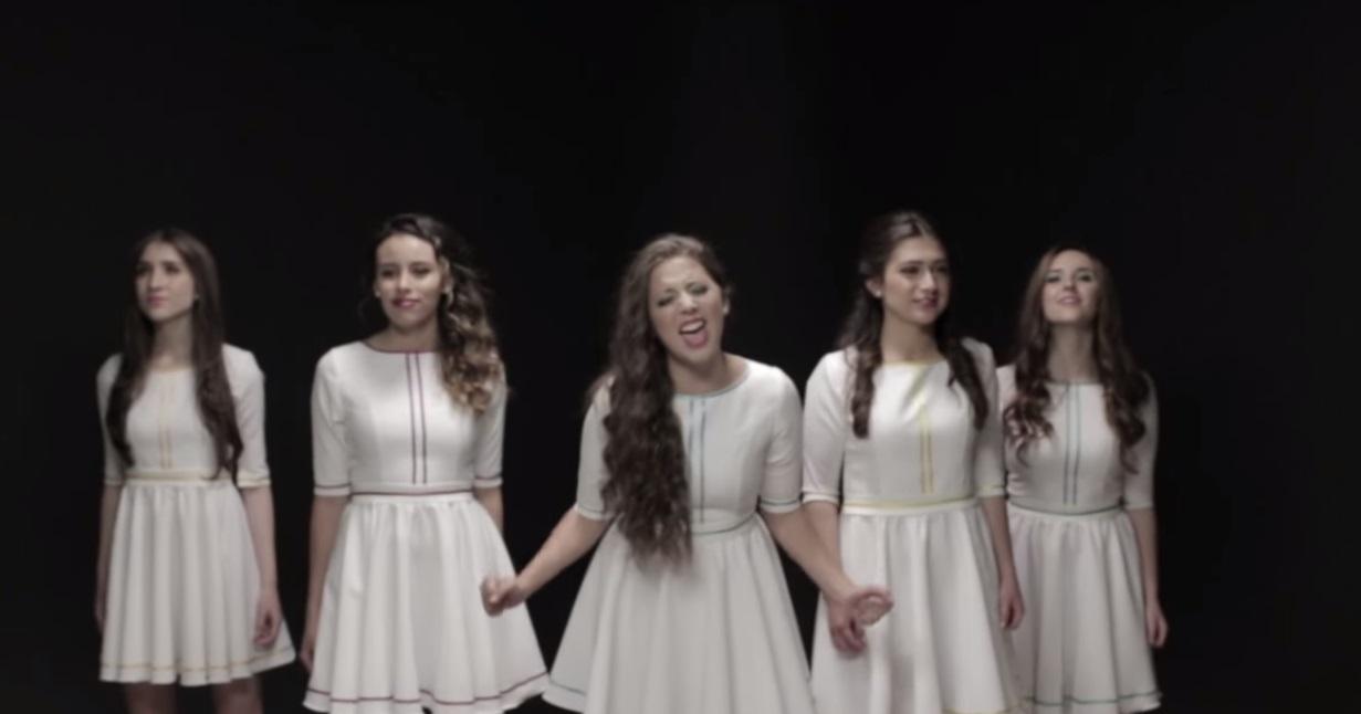 Cinco amigas inrerpretan canciones de películas Disney